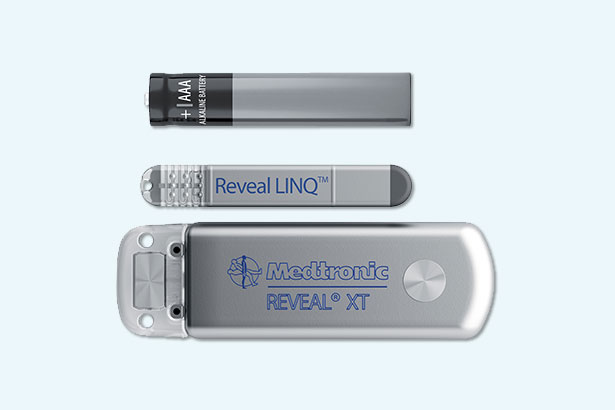 Medtronic Reveal size comparison